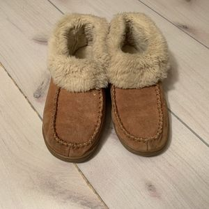 womens 8 Zealand moccasin slipper shoe fur lined